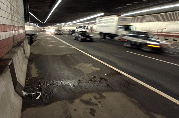 Digging「More Leaks Found In Boston's Big Dig」:写真・画像(13)[壁紙.com]
