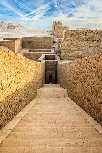 West Bank「Excavations by Temple of Hatshepsut, Luxor, Egypt」:スマホ壁紙(16)