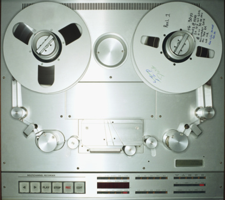Push Button「Tape recorder in recording studio, close-up」:スマホ壁紙(1)