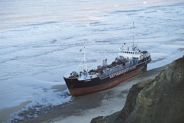 ビーチ「Cargo Vessel Aground」:写真・画像(8)[壁紙.com]