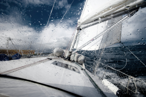 Sailboat「Sailing in the North Sea during a storm」:スマホ壁紙(1)