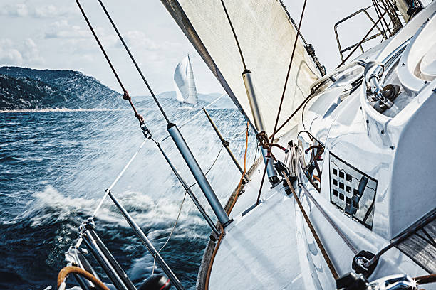 Sailing in the wind with sailboat:スマホ壁紙(壁紙.com)
