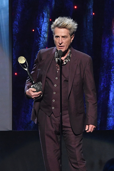 Ross Valory「32nd Annual Rock & Roll Hall Of Fame Induction Ceremony - Show」:写真・画像(5)[壁紙.com]