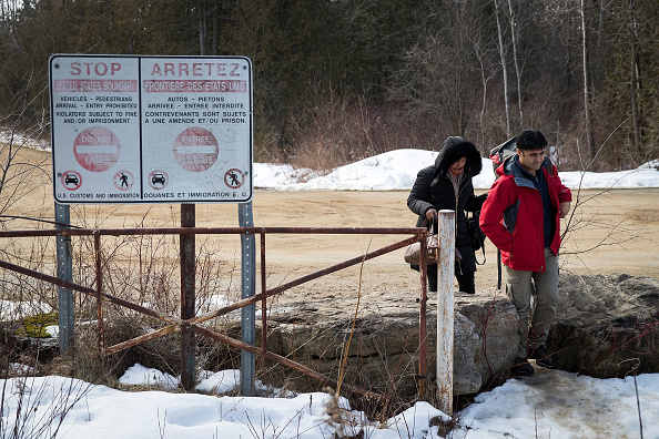 USA「Northern NY State Border With Canada Becomes Illegal Crossing Area For Asylum Seekers Fleeing U.S. For Canada」:写真・画像(4)[壁紙.com]