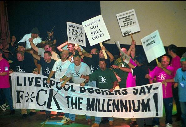 Liverpool F「2K Performing Show F*Ck The Millennium At Barbican, London, Britain」:写真・画像(15)[壁紙.com]