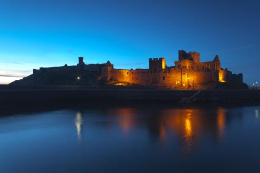 Isle of Man「Peel Castle at night, Isle of Man」:スマホ壁紙(4)