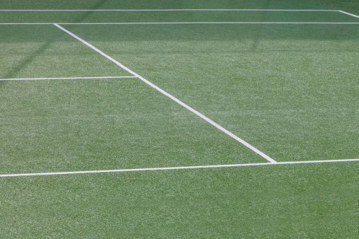 テニス「A pristine tennis court in a warm dry climate」:スマホ壁紙(3)