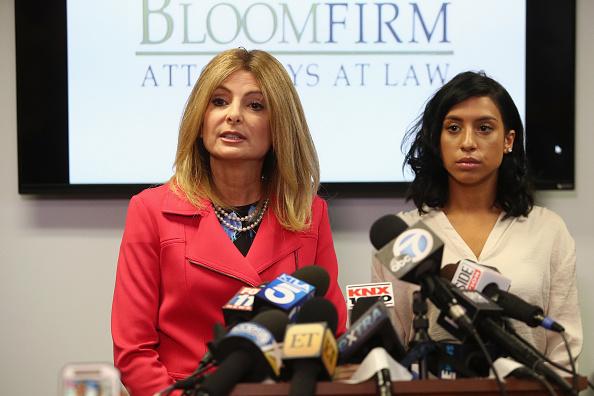 上半身「Lisa Bloom And Montia Sabbag Hold Press Conference Over Kevin Hart Scandal」:写真・画像(17)[壁紙.com]