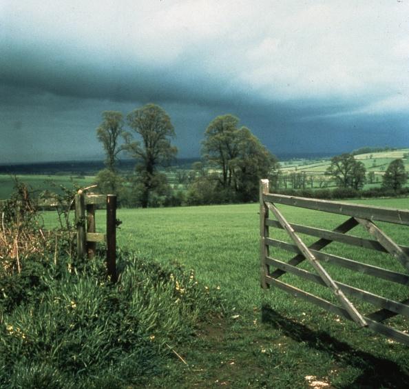 絶景「Stormy Skies」:写真・画像(16)[壁紙.com]