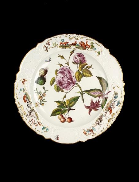 葉・植物「Round Serving Dish」:写真・画像(4)[壁紙.com]