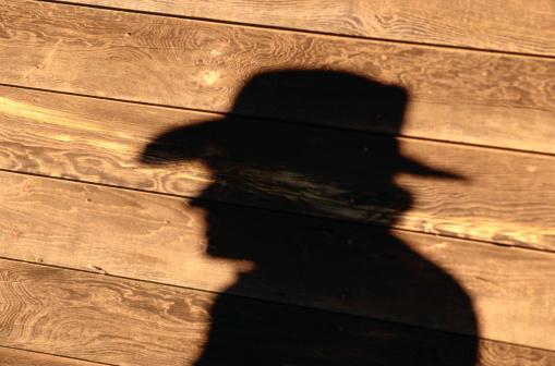 Unrecognizable Person「Shadow on Barn Wall of Cowboy」:スマホ壁紙(13)