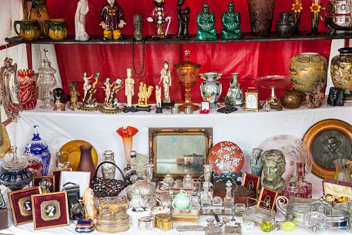 Buenos Aires「Collectibles at flea market」:スマホ壁紙(6)