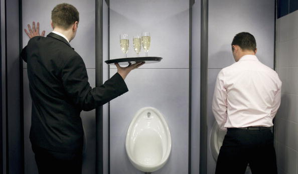 Out Of Context「Champagne Reception For Britains Best Public Toilet」:写真・画像(15)[壁紙.com]