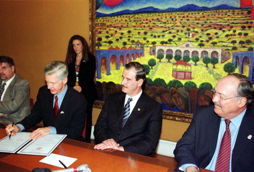 Baja California Peninsula「Mexican President Vicente Fox」:写真・画像(2)[壁紙.com]