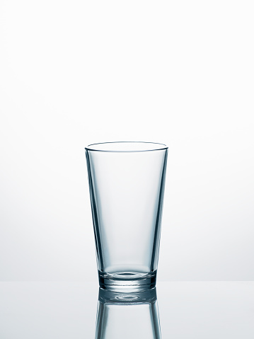 Drinking Glass「Empty water glass in front of white background」:スマホ壁紙(11)