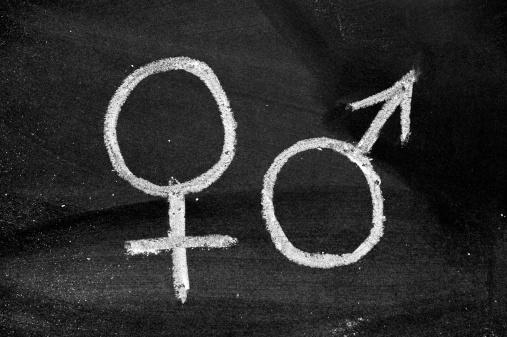Heterosexual Couple「male and female gender symbols on blackboard」:スマホ壁紙(17)