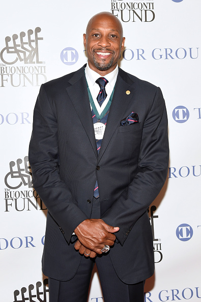 Alonzo Mourning「32nd Annual Great Sports Legends Dinner To Benefit The Miami Project/Buoniconti Fund To Cure Paralysis - Arrivals」:写真・画像(15)[壁紙.com]
