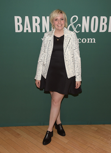 """One Young Woman Only「Lena Dunham Book Signing For """"Not That Kind Of Girl: A Young Woman Tells You What She's """"Learned.""""」:写真・画像(1)[壁紙.com]"""