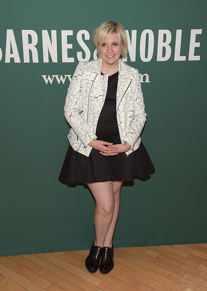 """One Young Woman Only「Lena Dunham Book Signing For """"Not That Kind Of Girl: A Young Woman Tells You What She's """"Learned.""""」:写真・画像(2)[壁紙.com]"""