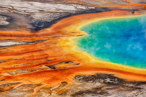 Grand Prismatic Spring「USA, Wyoming, Yellowstone National Park, Grand Prismatic Spring at Midway Geyser Basin」:スマホ壁紙(8)