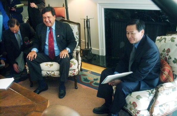 Rick Scibelli「NM Governor Richardson Meets With North Korean Envoys 」:写真・画像(7)[壁紙.com]