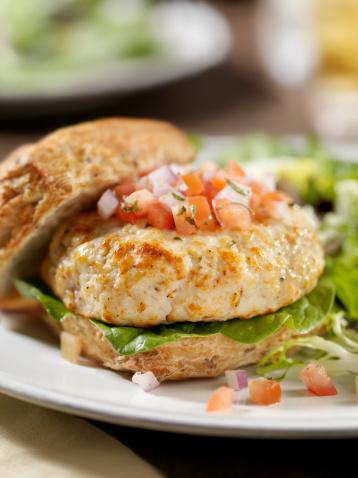 Arugula「Turkey Burger with Spinach and Salsa」:スマホ壁紙(4)