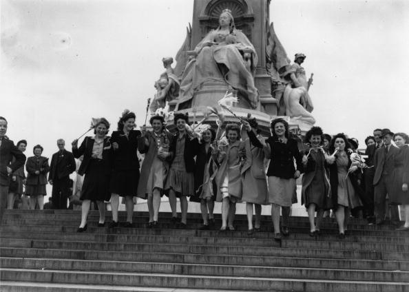 Celebration Event「VE Day Girls」:写真・画像(15)[壁紙.com]