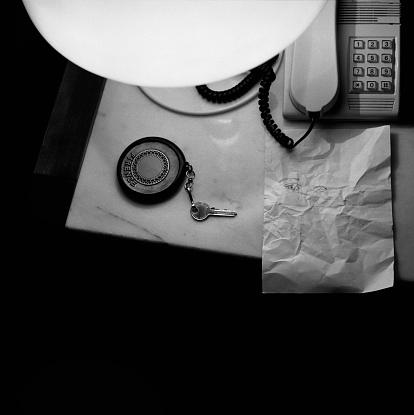 Motel「Hotel Night Table」:スマホ壁紙(10)