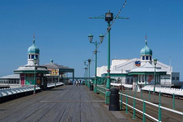 Sunny「Blackpool」:写真・画像(3)[壁紙.com]