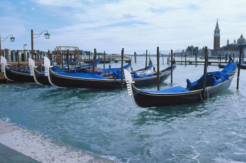Gondola「Italy, Venice, Gondolas」:スマホ壁紙(15)