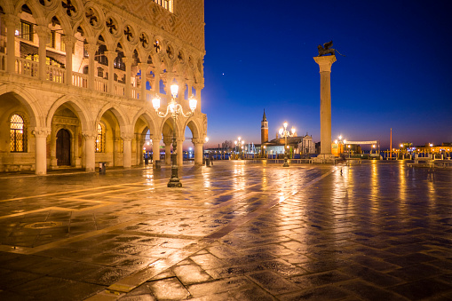 Built Structure「Italy, Venice, view to St Mark's Square at night」:スマホ壁紙(11)