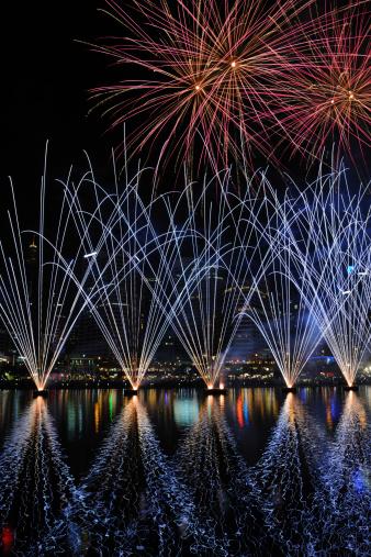 花火「ニューイヤーズイヴには、花火大会、オーストラリアシドニー」:スマホ壁紙(10)