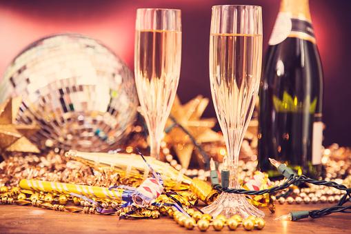 2019「大晦日の休日パーティー シャンパン、ディスコ ボール、装飾。」:スマホ壁紙(15)