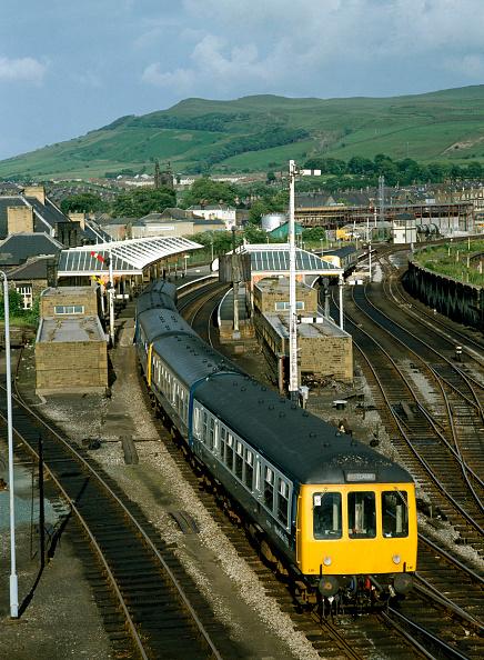 United Archives「Skipton Station. The 17.22 ex Morcambe for Leeds arrives at platform one. 1.7.82.」:写真・画像(9)[壁紙.com]