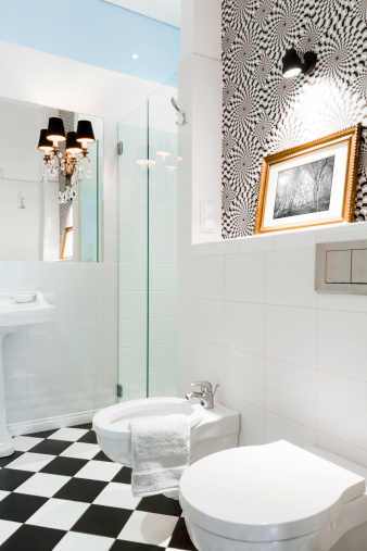 Housing Project「Stylish black and white bathroom interior with checkered patterns」:スマホ壁紙(18)