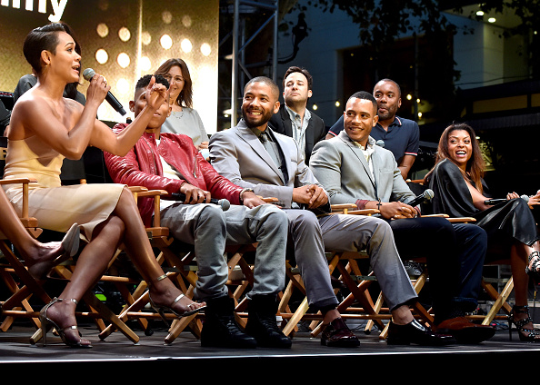 "Medium Group Of People「Television Academy Event For ""Empire"" - A Performance Under The Stars At The Grove」:写真・画像(7)[壁紙.com]"