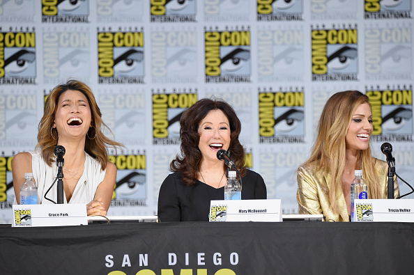 Headshot「Comic-Con International 2017 - SYFY: 'Battlestar Galactica' Reunion」:写真・画像(2)[壁紙.com]