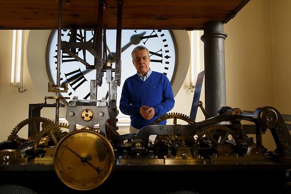 Jose Lopez「Watchmakers Check Puerta del Sol's Clock Ahead of New Year's Eve」:写真・画像(14)[壁紙.com]