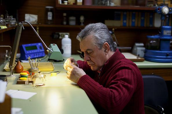 Jose Lopez「Watchmakers Check Puerta del Sol's Clock Ahead of New Year's Eve」:写真・画像(3)[壁紙.com]