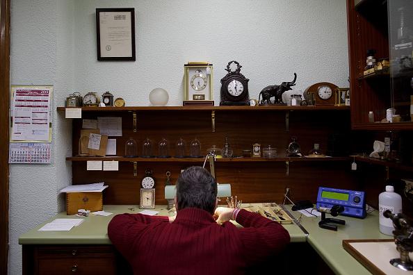 Jose Lopez「Watchmakers Check Puerta del Sol's Clock Ahead of New Year's Eve」:写真・画像(0)[壁紙.com]