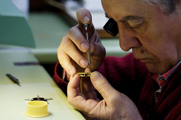 Jose Lopez「Watchmakers Check Puerta del Sol's Clock Ahead of New Year's Eve」:写真・画像(11)[壁紙.com]