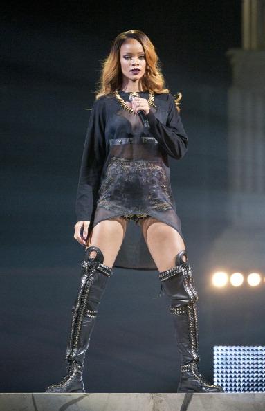 シャツ「Rihanna's 'Diamonds' World Tour - New York, NY」:写真・画像(10)[壁紙.com]