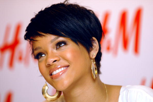 Baby Doll Dress「H&M, Youth AIDS & Rihanna Launch The Fashion Against AIDS Collection」:写真・画像(6)[壁紙.com]