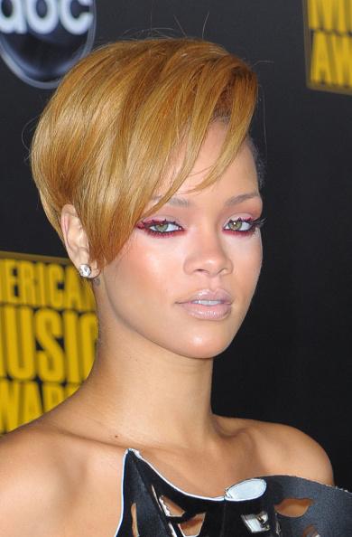 Scalloped - Pattern「2009 American Music Awards - Arrivals」:写真・画像(15)[壁紙.com]