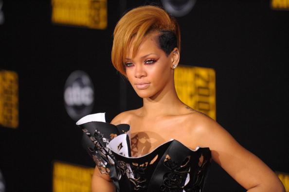 Scalloped - Pattern「2009 American Music Awards - Arrivals」:写真・画像(9)[壁紙.com]