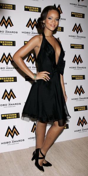 Halter Top「MOBO Awards 2006 - Arrivals」:写真・画像(1)[壁紙.com]