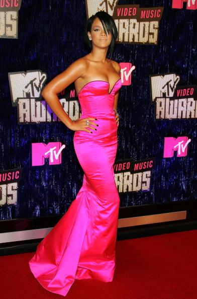体にぴったりしたドレス「2007 MTV Video Music Awards - Arrivals」:写真・画像(11)[壁紙.com]