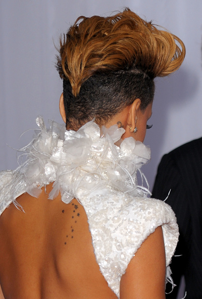 Highlights - Hair「The 52nd Annual GRAMMY Awards - Arrivals」:写真・画像(2)[壁紙.com]