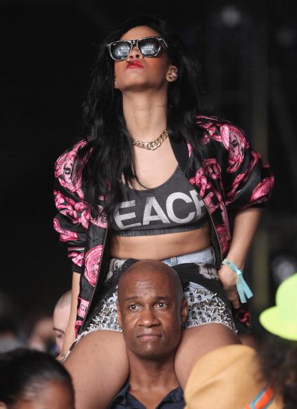 Pink Jacket「2012 Coachella Music Festival - Day 3」:写真・画像(6)[壁紙.com]