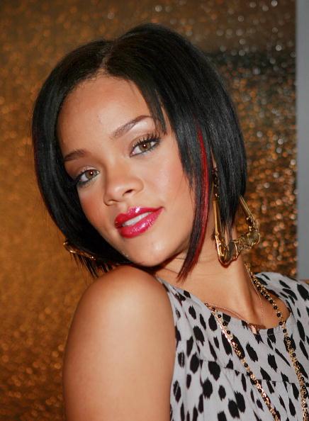 Earring「MTV TRL Presents Rihanna And Seth Green」:写真・画像(2)[壁紙.com]